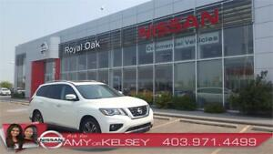 2017 Nissan Pathfinder Platinum 4WD - Fully Loaded! Save!
