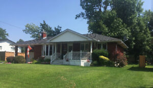 WELL MAINTAINED 3+2BR HOME IN RIVERDALE