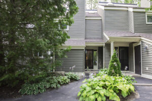 This Immaculate Cranberry Village 3 Level Townhouse Features