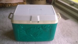 36 QUART ICE CHEST COLLECTORS EDITION  + NEW WATER JUG