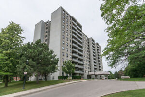 BY OWNER: Beautiful 2 Spacious Bedroom Condo in Mississauga