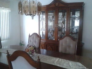 DINNING ROOM SET WITH CREDENZA, 6 CHAIRS + 2 ARM CHAIRS