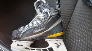 Bauer Supreme One 60 size 11D boys/youth Skates