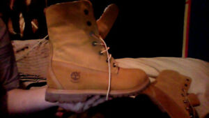 Women's size 10 Timberland boots.