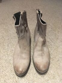 NEVER WORN Size 7 Women's Ankle Boots Italian