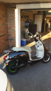 2015 ELECTRIC VESPA CARA POWERSPORT LIKE NEW LOW KILOMETERS