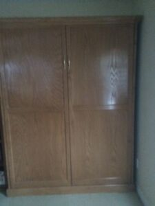 Murphy Bed - excellent condition: double