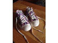 Purple Floral Converse size 5
