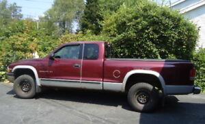 2000 Dodge Dakota Pickup Truck