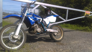 Yamaha yz 250 2000 , looking to trade