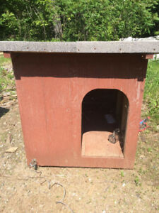 Sturdy Well Made Dog House For A Large Dog