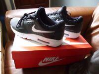 Mens Ladies Nike Air Max Zero Trainers Uk Size 7 Eur 41 Brand New