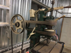 Tapeuse , presse drill antique