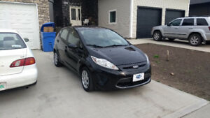 REDUCED! 2011 Ford Fiesta SE Hatchback Full Warranty Available!!