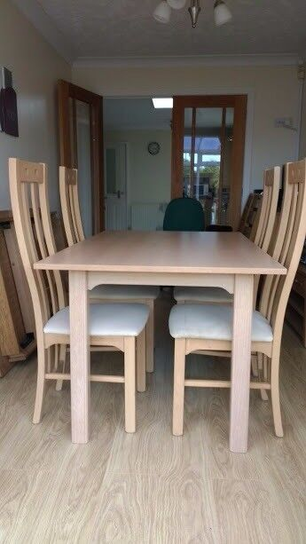 Light Oak Dining Table And 4 Chairs Size 900 X 14m Extending To