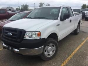 2005 Ford F-150 XL 4WD! 4.6L! 6-Passenger! Clean Title!