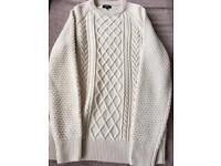 Men's Cable knit jumper in small