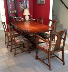 Gorgeous Antique Wild Rose Carved Dining Table With 6 Chairs