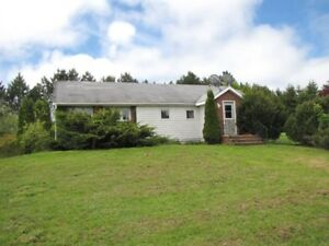 2BR Bungalow in the Country ... Minutes from Wolfville