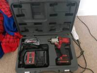 mac tools 3/8 10.8v inpact gun 2 batterys 1 chager 1 case