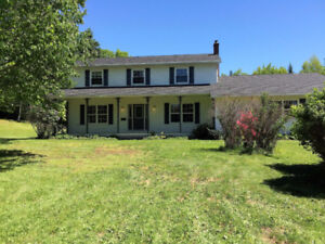 NEW PRICE!! Large family home in country setting in Hampton!