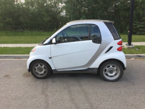 2012 Smart Fortwo Pure Coupe (2 door) - only 52,000 kms