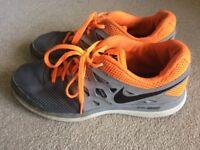 Nike Dual Fusion Trainers UK7.5