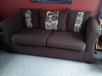 3 SEATER LARGE SOFA NICE CONDITION