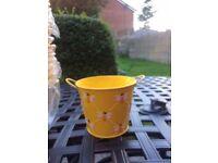 Yellow Bee Design 15cm x 15cm Tin Plant Pots , 600 in total
