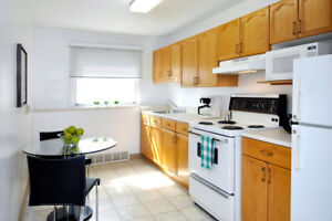 GROUND FLOOR 2 BED CLOSE TO BRIDGE AND TRANSIT! 1/2 MONTH FREE!