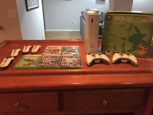 XBOX 360 + ACCESSOIRES (click for detailed list)