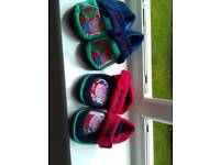 2x boys slippers size 6 as new