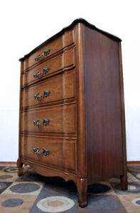 Superb Andrew Malcolm Walnut Chest of Drawers SEE VIDEO