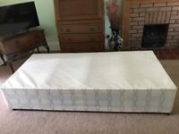 Single 3' Divan Base (VGC No storage)
