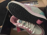 Girls heelys size 5 with all accessories