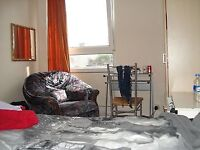 Spacious Room for a professional-NO BILLS-very close to station