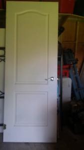 """30"""" interior door with handle"""
