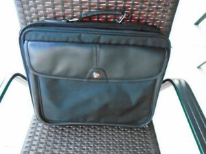 mallette / valise / porte documents 16 x 14 x 4 po. Targus