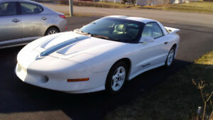 1994 Pontiac Trans Am Coupe (2 door)