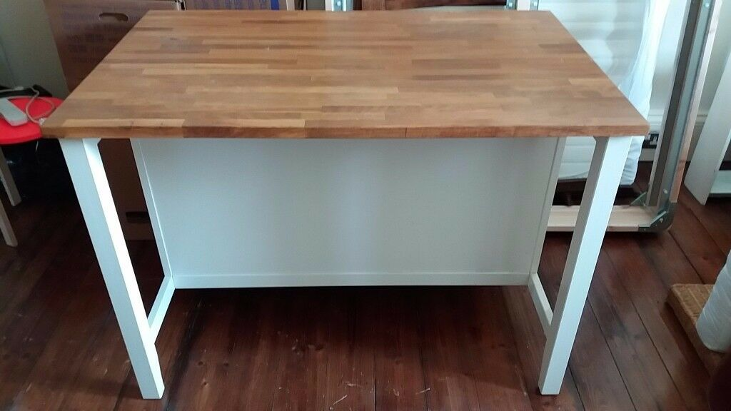 IKEA Kitchen island / Breakfast bar with 3 tall stools