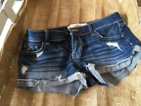 Ladies/girls Hollister denim shorts. Size 6/8