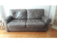 Leather sofa 4 months old