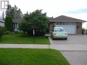 Executive Home, Ideally Located Fantastically Priced Many Extras