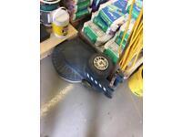 Floor polisher / buffer / spinner