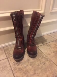 Authentic FRYE women's leather boots SiZE 8