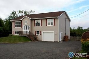 Gorgeous 2-storey home located close to schools. Agents @ 2.5%
