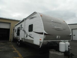 COACHMAN CATALINA Deluxe Edition RV Trailer