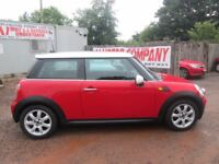 MINI COOPER 2006 5 FACELIFT MODEL 1.6 LTR PETROL 1 YEAR MOT FULLY LOADED VERY CLEAN CAR!!!