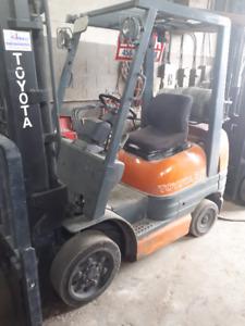 Chariot élévateur~forklift~lift~ TOYOTA