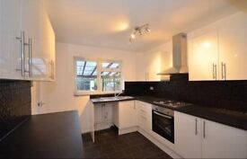 3 Double Bedroom House Newly-Refurbished for a family !! ready to move in !